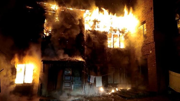 «Сгорели люди, но за это никто не ответил»: губернатор поручил разобраться в пожарах напротив мэрии Хабаровска