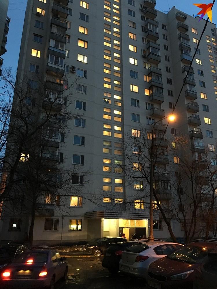 Квартира, где нашли девочку-маугли, находится на восьмом этаже