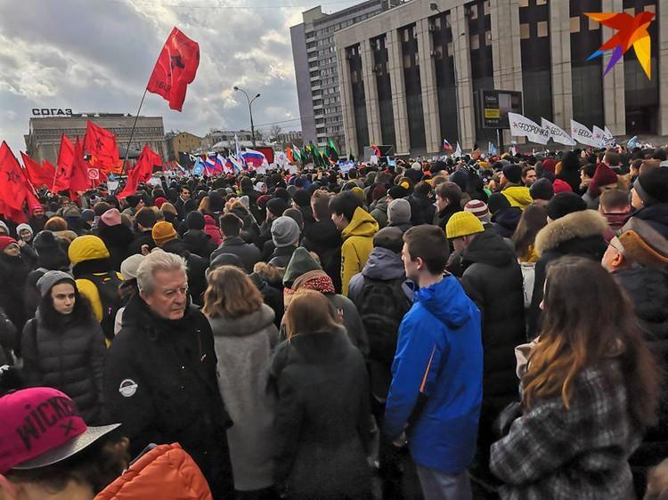На митинг, по данным МВД, собралось 6,5 тысяч человек