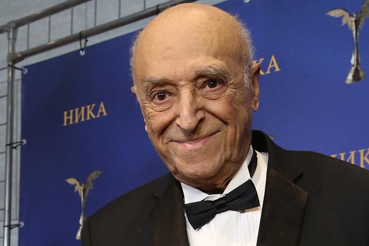 Владимир Этуш скончался 9 марта 2019 года на 97 году жизни.