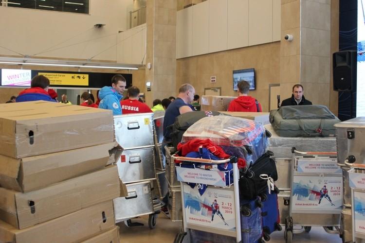 Кто бы мог подумать, что у спортсменов такое огромное количество багажа