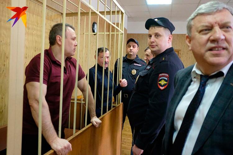Вместе с «ночным губернатором Петербурга» приговор выслушал и его соратник, правая рука - Вячеслав Дроков.