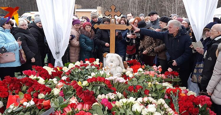Похороны артистки организовали ее друзья