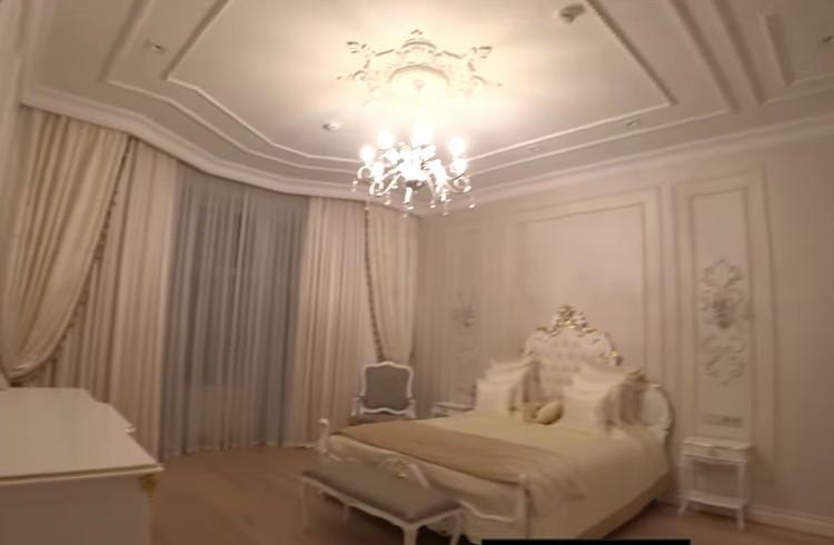 Спальня.