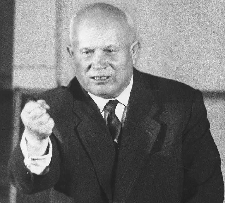 Первый секретарь ЦК КПСС Никита Хрущов на пресс-конференции в Париже, 1960 год. Фото ИТАР-ТАСС/PHOTAS/DPA