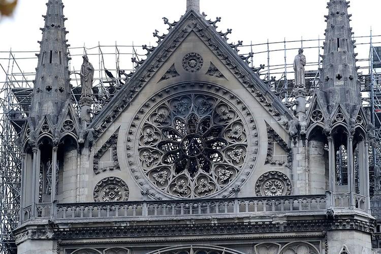 Теперь реставраторам предстоят годы работы по восстановлению собора.