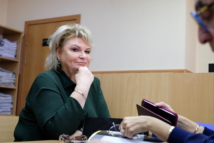 Адвокат Аршавина Виктория Савицкая уверяет, что спортсмен очень скучает по дочери.