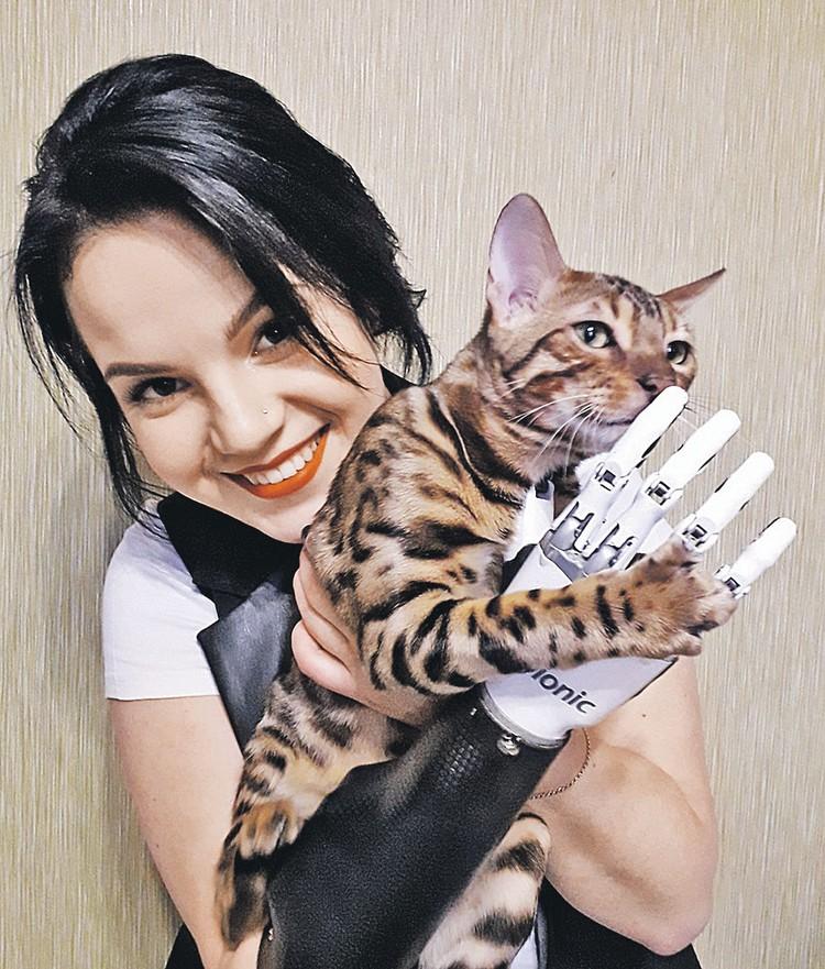 Любимец семьи - бенгальский кот Тигряш. Фото: vk.com