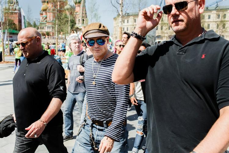 В мае 2018 года Джонни Депп приезжал в Москву дать концерт со своей рок-группой The Hollywood Vampires. Джонни и Полина гуляли вместе по улицам, но девушка пряталась от камер.