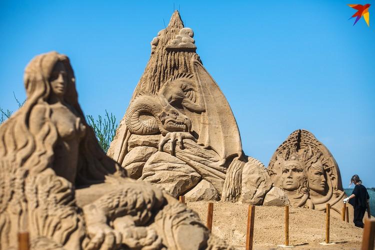 10 скульпторов из России и Беларуси покажут свои песчаные произведения публике.