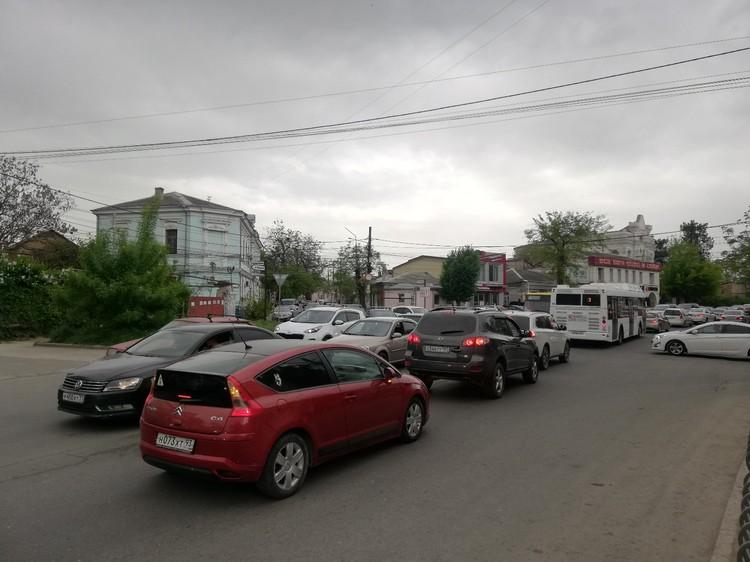 Центр города перекрыли до 11.00.