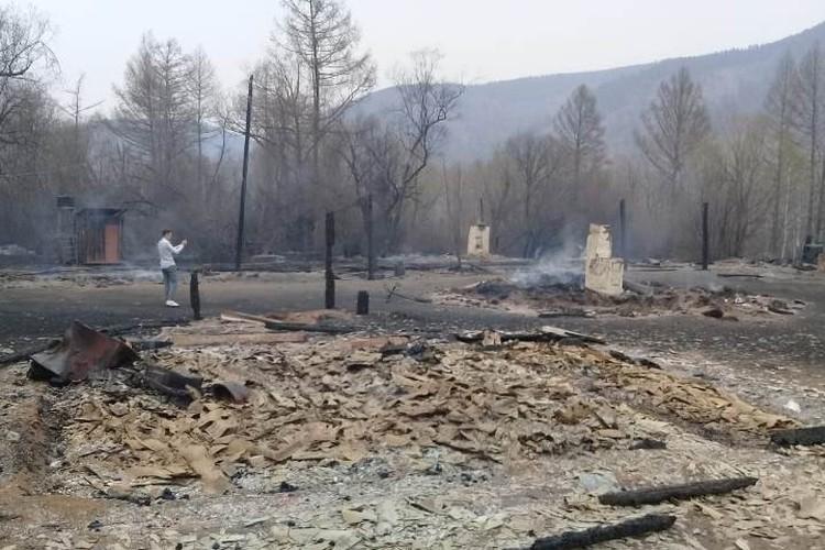 Огонь уничтожил несколько юрт одной из местных турбаз.