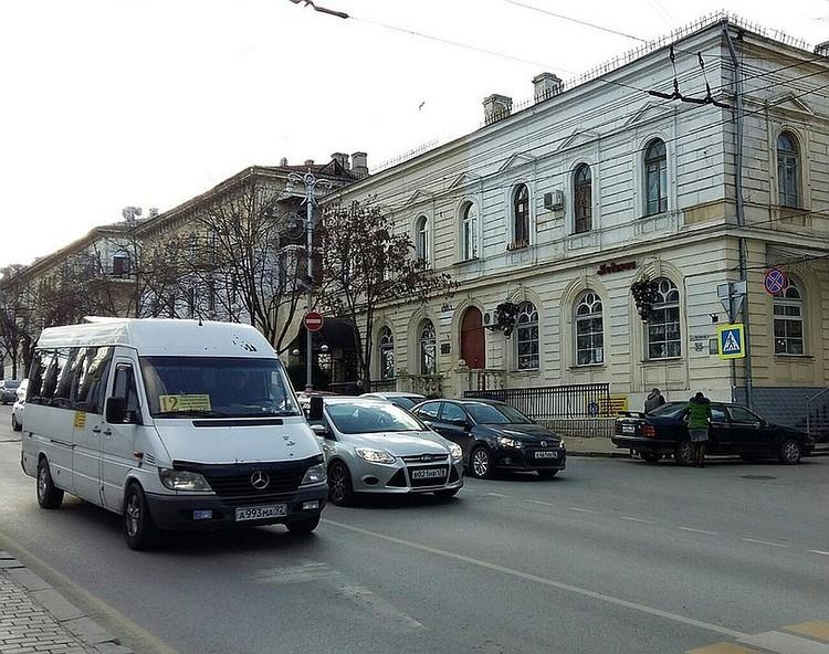 Некоторые улицы не будут закрывать для проезда общественного транспорта.
