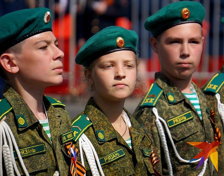 В параде приняли участие кадеты.