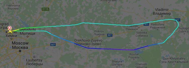 Очередная поломка произошла в небе, из-за чего пилот развернул самолет обратно в Москву