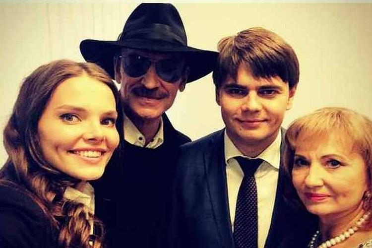 Семья полностью поддерживает Ларису Регинальдовну.