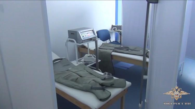 В медцентре полно дорогостоящего оборудования.