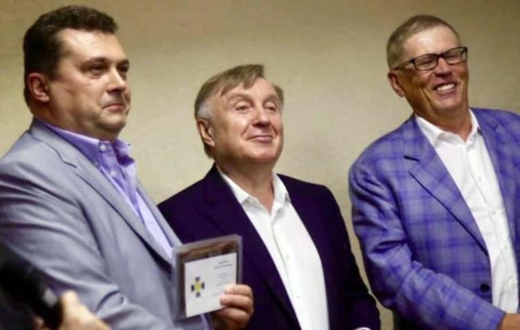 Награждается Валерий Симонов, ныне главред газеты «Труд»