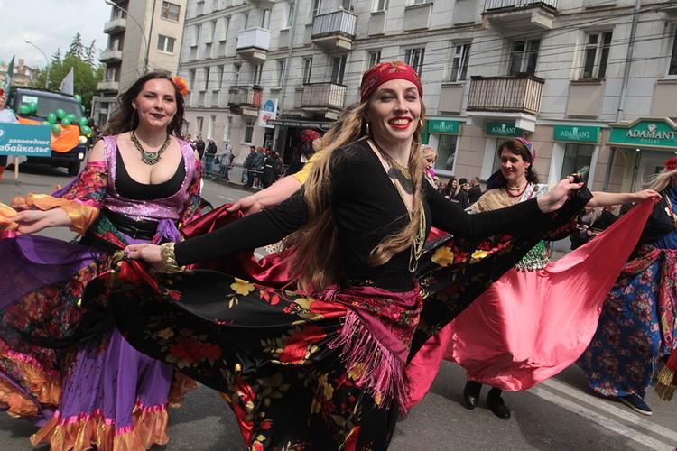 Цыгане любят танцы! Да танцы непростые!