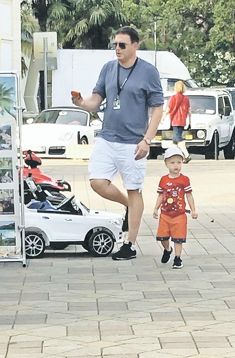 В Сочи сын Ксении Собчак чаще всего гулял либо с няней, либо с отцом.