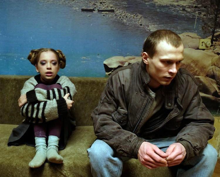 Удостоенный главного приза «Бык» талантливого дебютанта Бориса Акопова прописан по временам лихих 1990-х