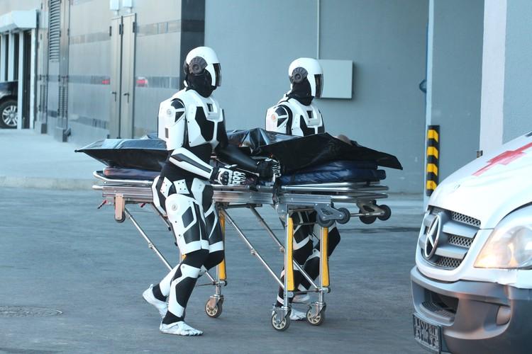 В 2029 году роботы уже вовсю ходят, помогают и местами не отличимы от людей. Фото: Первый канал