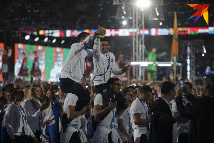 11. Для спортсменов закрытие игр - праздник. Не все уехали с медалями, но есть те, кто получил лицензию на участие в Олимпиаде-2020.