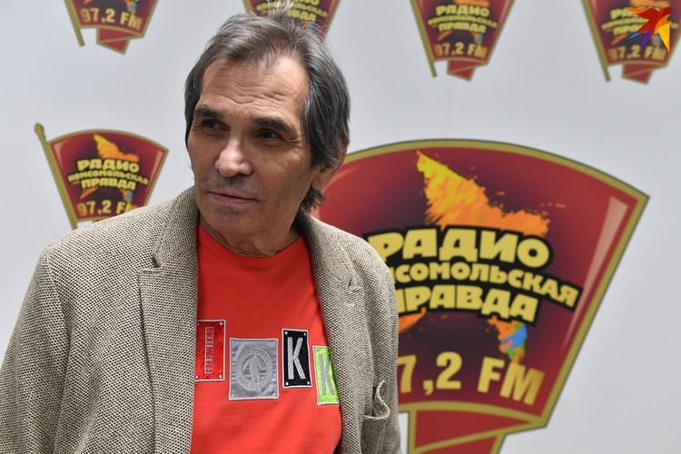 В начале июня Бари Алибасов был госпитализирован с ожогом желудка и пищевода