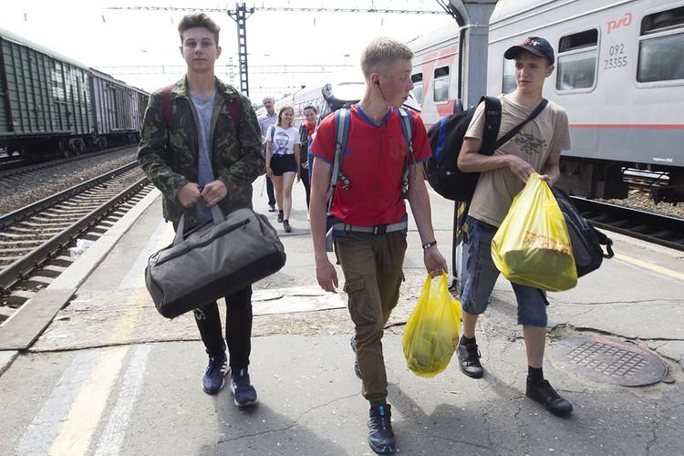 Школьники не жалеют, что потратили несколько дней каникул на то, чтобы помочь людям