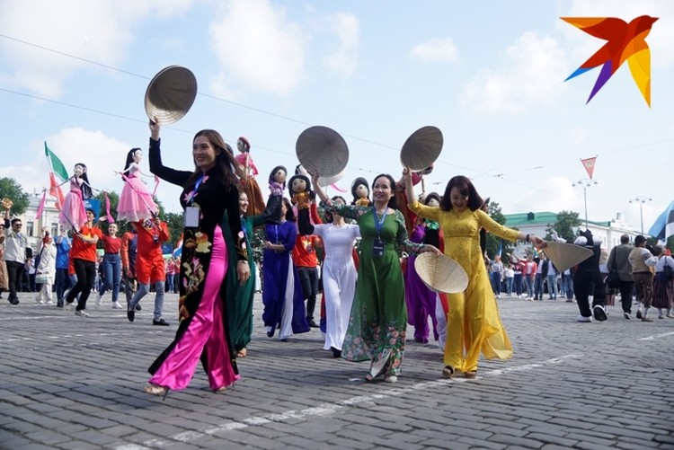 """Карнавальное шествие """"Лица улиц"""" пройдет 17 августа."""