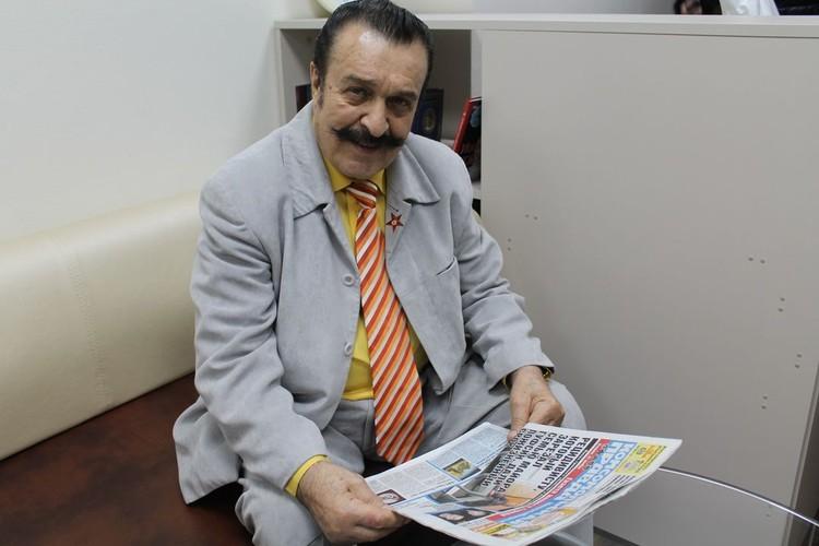 Вилли Токарев во время интервью в КП-Новосибирск.