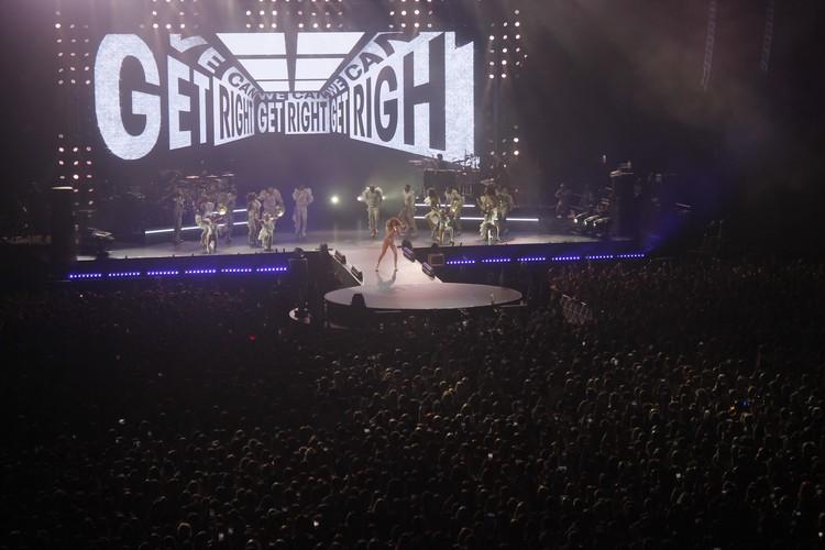 Исполнила Дженифер Лопес в Петербурге как новые песни, так и проверенные временем хиты
