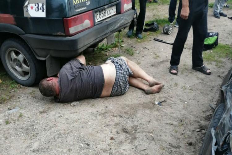 По словам очевидцев, водитель был сильно пьян. Он не пострадал. Фото: соцсети.