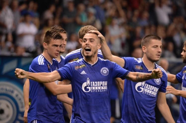 Счет в матче открыл «Оренбург» - помог автогол игрока «Сочи». Фото: ФК «Оренбург».