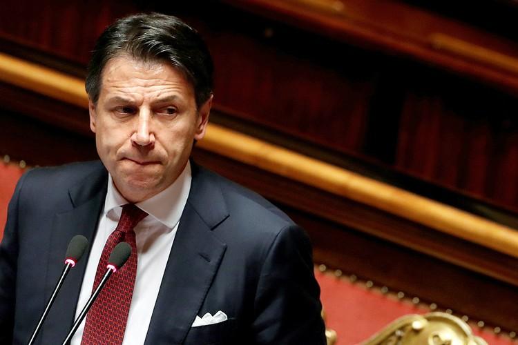 Премьер-министр Италии Джузеппе Конте подал в отставку.