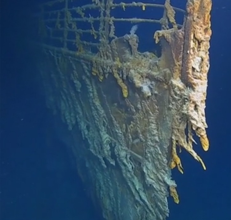 Ученые впервые за последние 14 лет спустились к затонувшему кораблю и были поражены, с какой скоростью его пожирают океанские микробы