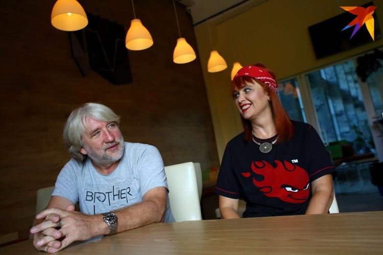 Анатоль и Оксана Вечер вместе с командой создали главную музыкальную программу белорусского ТВ 1990-х.