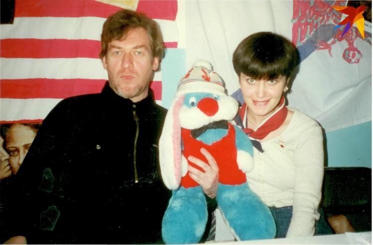 Оксана с известным музыкальным критиком Артемием Троицким.