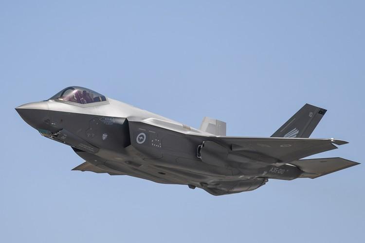 """Полное название """"американца"""" - Lockheed Martin F-35 Lightning II."""