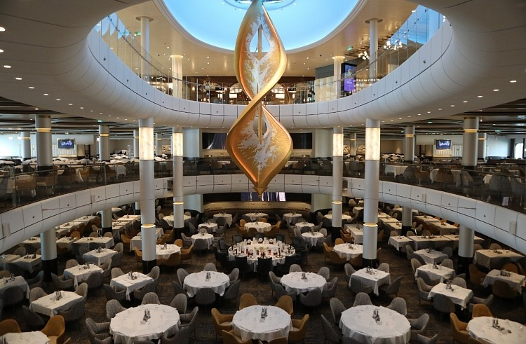 Ресторан лайнера Spectrum of the Seas