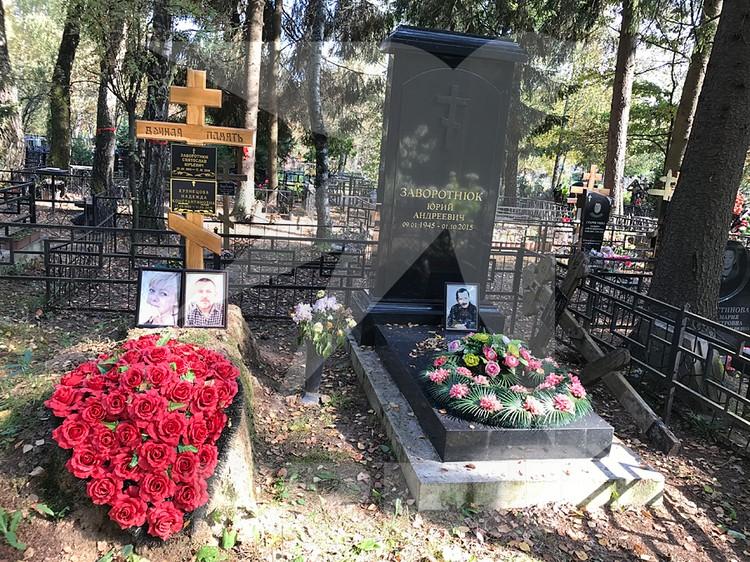 Анастасия часто ездит к родным на могилу — они похоронены всего в трех километрах от Крекшино