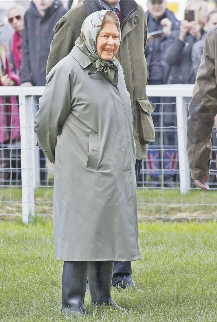 В Британии главным шутником в правящей династии Виндзоров является, конечно, 93-летняя королева Елизавета II.