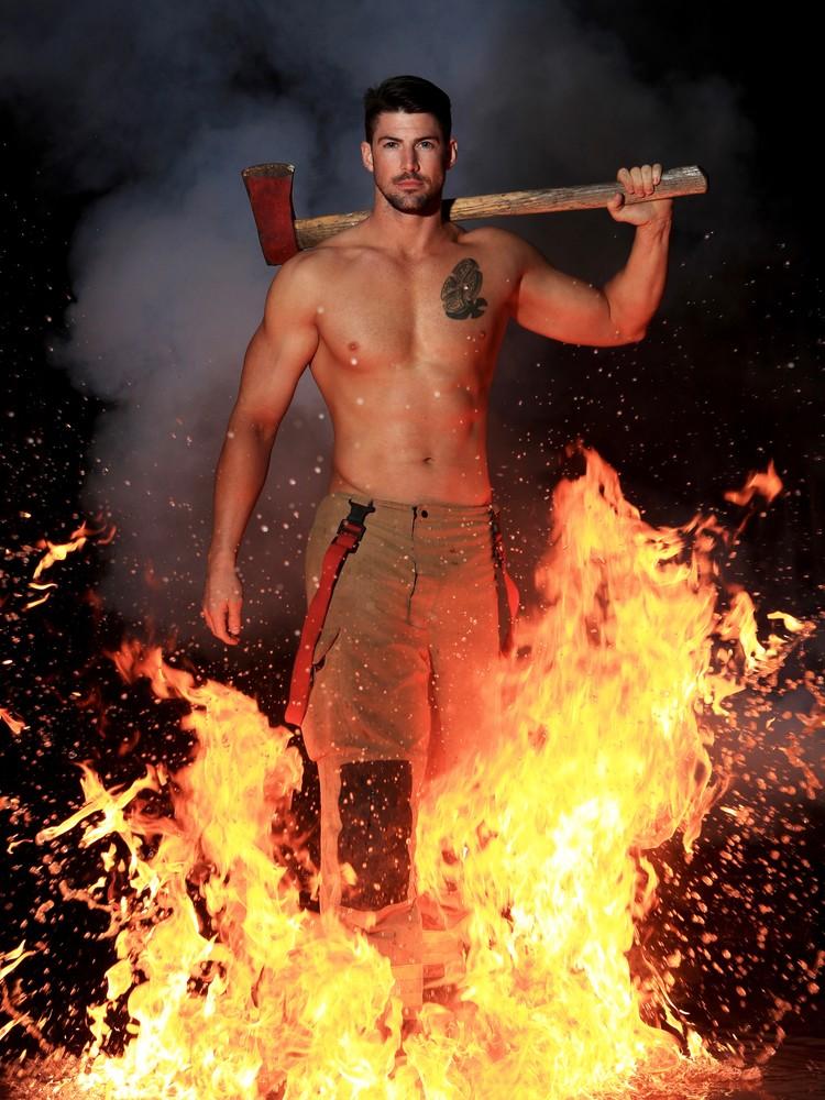 Австралийские пожарные каждый год продолжают свою добрую традицию по выпуску ежегодного благотворительного календаря. Фото: Australian Firefighters Calendar