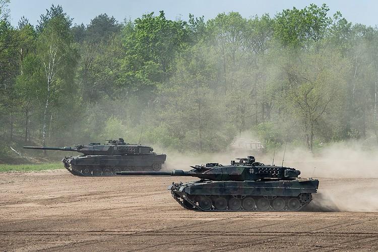 """Немецкие танки """"Леопард 2"""" во время учений НАТО, май 2019 г."""