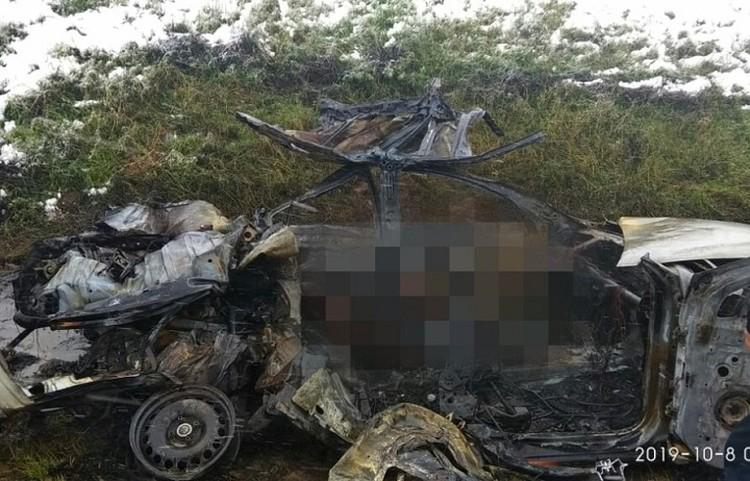 Автомобиль с людьми сгорел на трассе Вологда-Череповец.