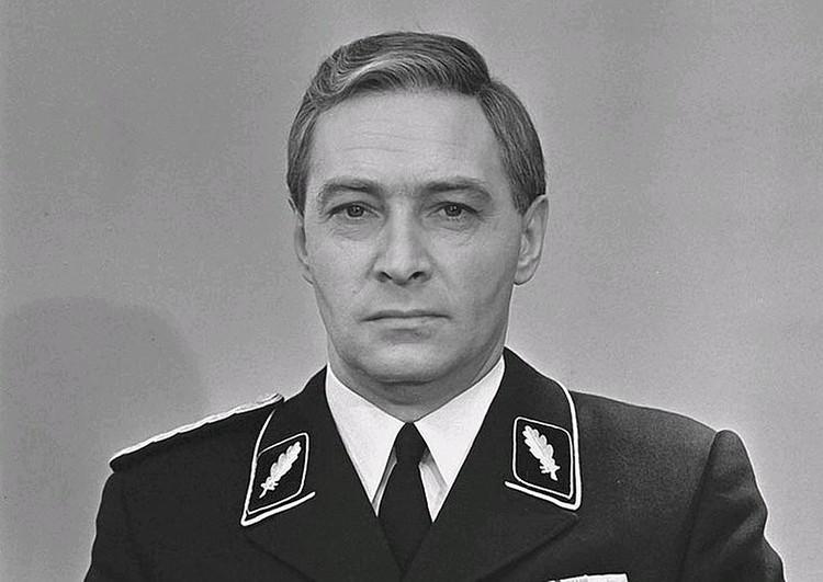 Штирлица блестяще сыграл Вячеслав Тихонов.