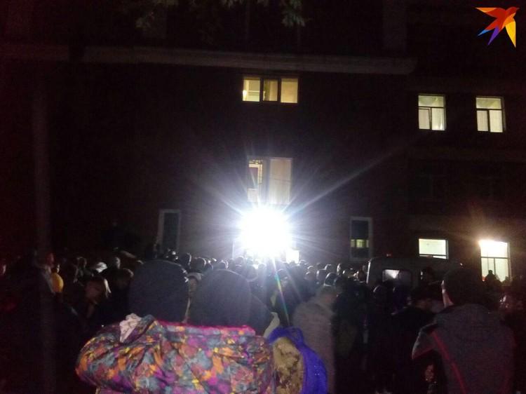 Тысячи жителей Саратова пришли к штабы по поискам Лизы