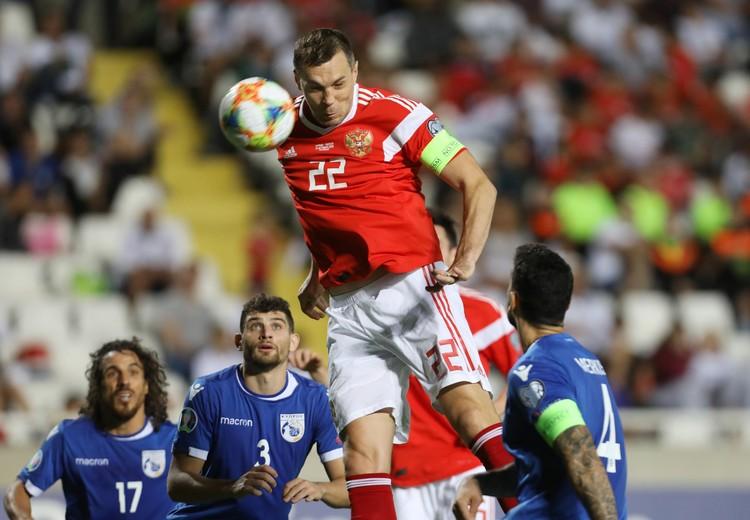 Третий мяч в ворота сборной Кипра забил наш капитан Артем Дзюба.