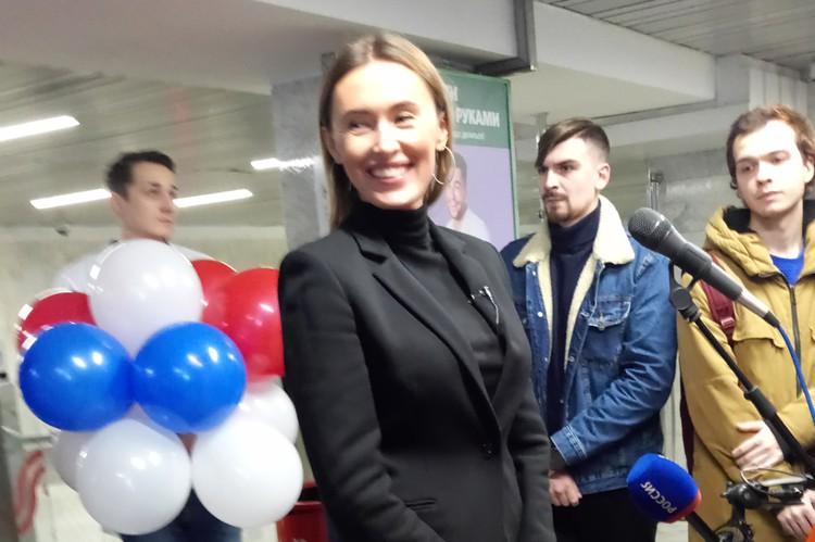 Юлия Темникова из Москвы приветствовала славный город Тулы.