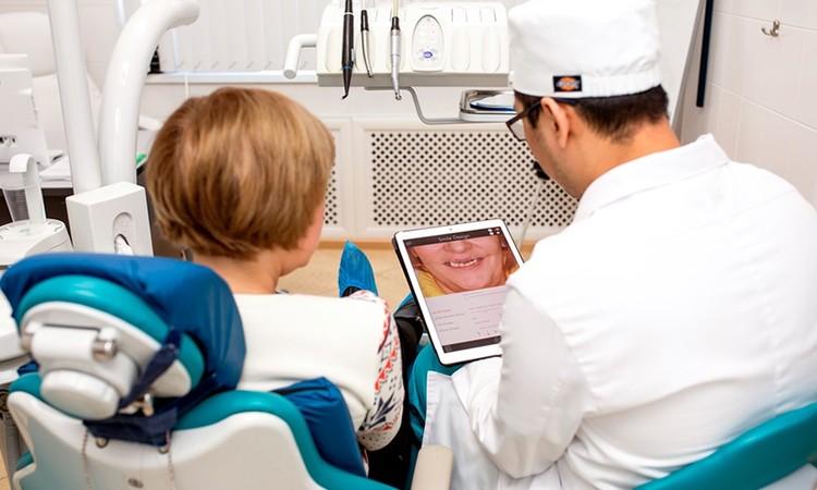 Цифровой дизайн улыбки – вы сможете увидеть изменения еще до начала лечения. Фото: Smile-at-Once